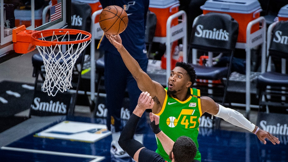 Jazz rout Trail Blazers for 23rd straight home victory