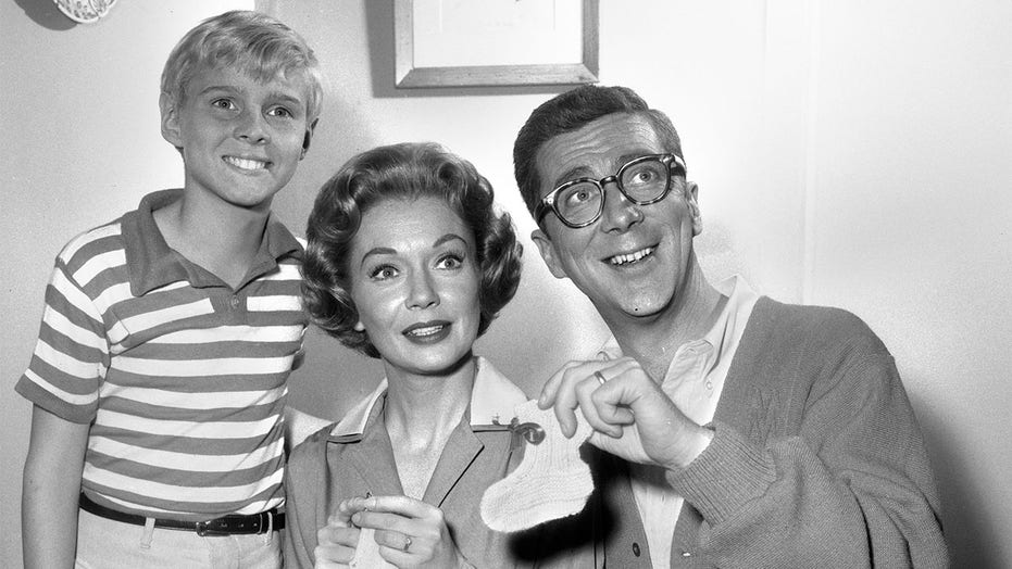 'Dennis the Menace' actress Gloria Henry dead at 98: 'She's flying now'