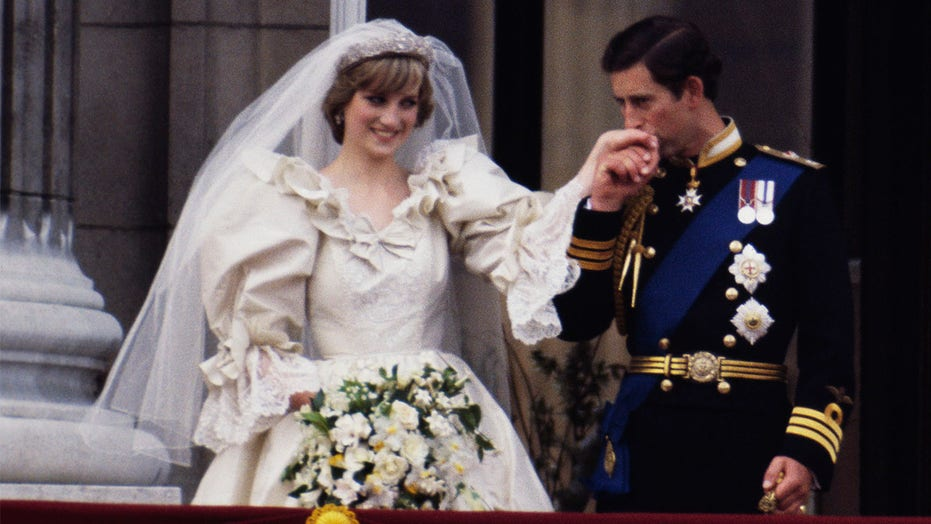 Princess Diana's wedding dress to be displayed at Kensington Palace for 'Royal Style in the Making' exhibit