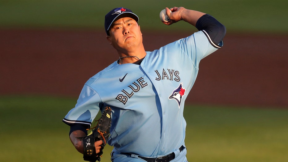 Ryu sharp into 7th, Semien homers as Blue Jays top Yanks 7-3