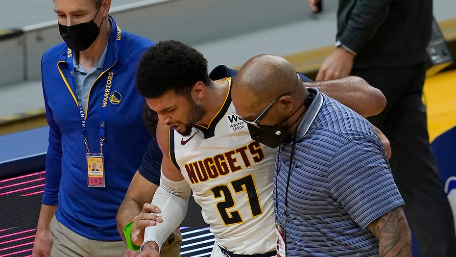 Nuggets' Jamal Murray suffers scary knee injury at end of game vs. Warriors
