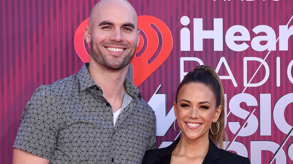 Jana Kramer seemingly announces split from Mike Caussin: 'Nothing else to give'