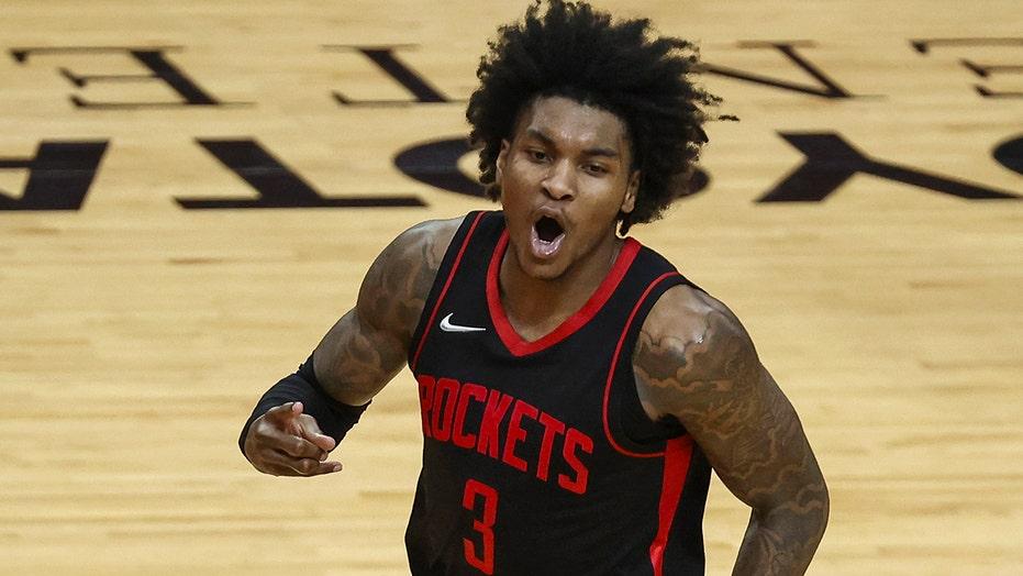 Porter scores 50, Rockets stun Bucks after Giannis exits