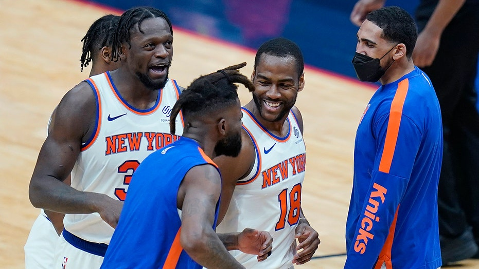 Randle nets 32 as Knicks limit Zion, beat Pelicans 116-106