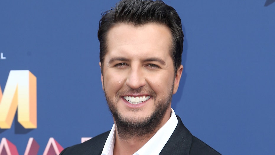 Luke Bryan's ACM entertainer of the year award draws mixed reactions from country music fans