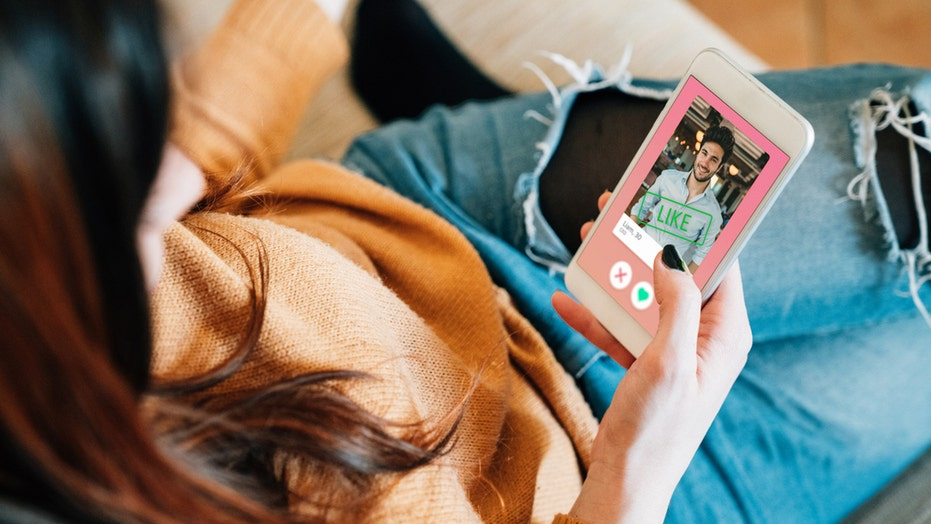 Tinder, Duolingo give free language lessons to singles looking for love internationally