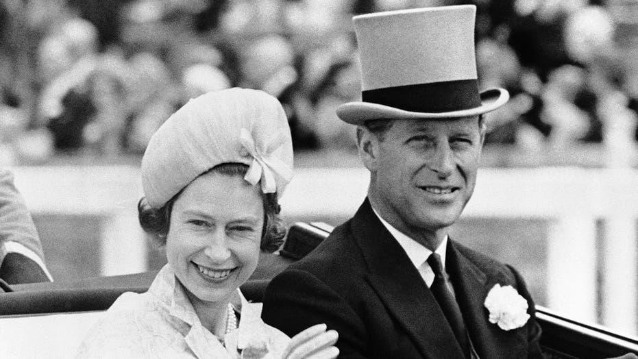 """菲利普亲王是伊丽莎白女王的""""骨干"""",他一生致力于履行职责和服务, 作者说"""