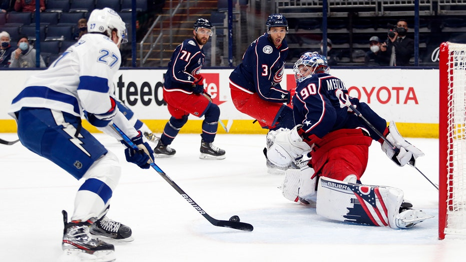 Lightning get early goals in 6-4 win over Blue Jackets