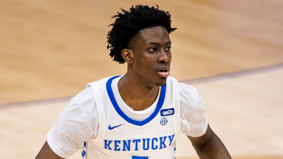 Kentucky men's basketball star dies in car accident days after signing with NBA agent: report