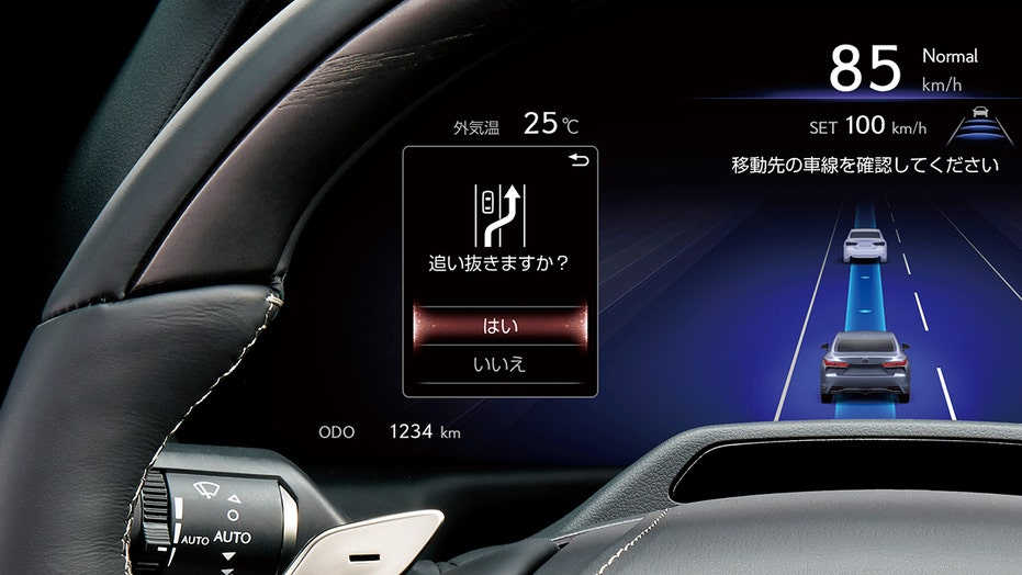 Lexus LS sedan getting hands-free 'Teammate' driving feature