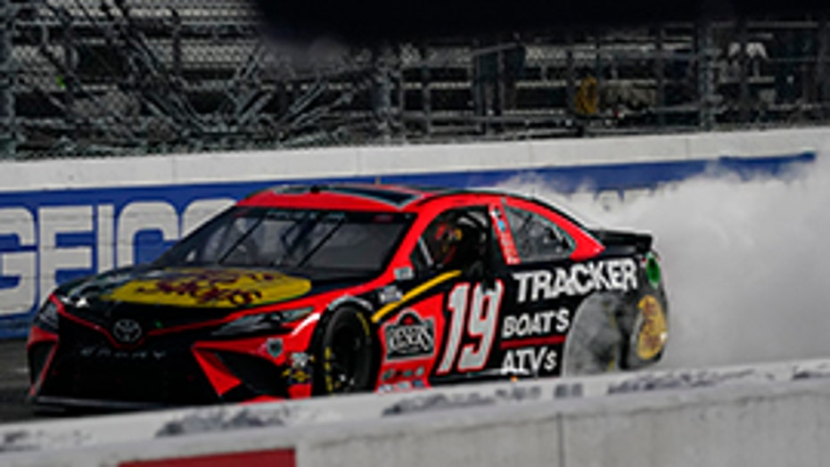 Martin Truex Jr. wins NASCAR Martinsville race