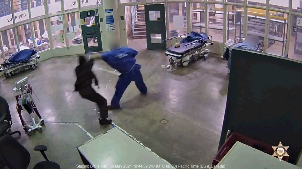 VIDEO: Inmate pummels female sheriff's officer inside lockup