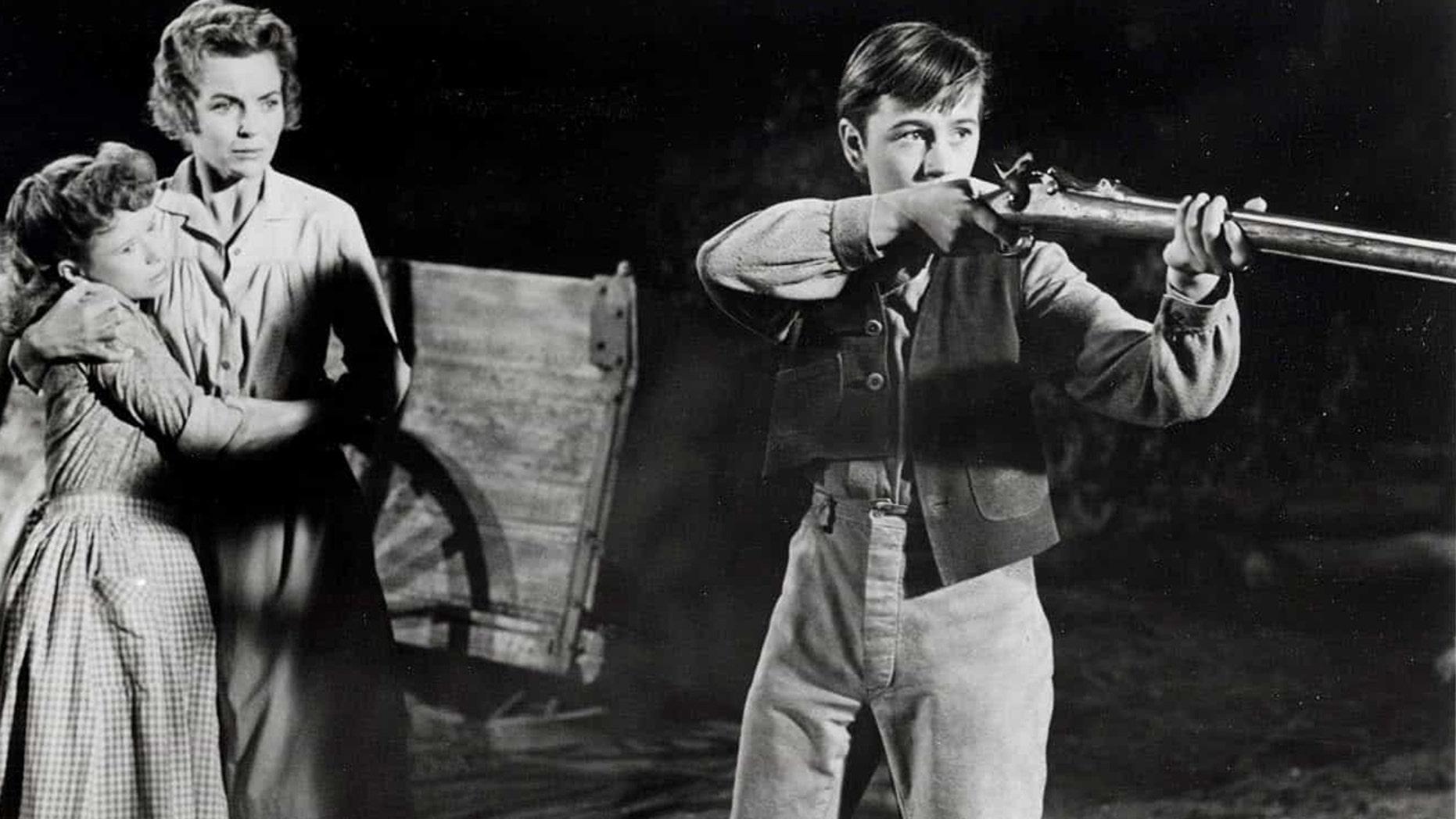 '50s child star Beverly Washburn recalls filming Disney's 'Old Yeller': 'It destroyed' grown men