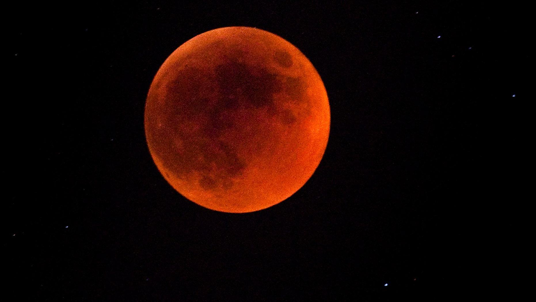 SpaceWeather updates Blood-Moon