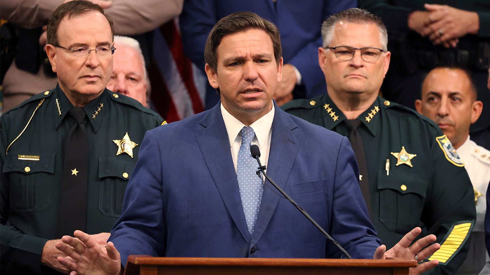 Thống đốc Ron DeSantis ngày 19 tháng 4 năm 2021. (Ricardo Ramirez Buxeda / Orlando Sentinel qua AP)