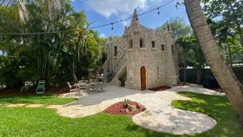 Miniature castle in Florida hits market for $1.75 million