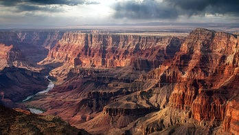 Excessive heat in Grand Canyon forces warnings for parkgoers