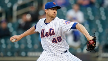 Jacob deGrom's Mets teammates defend him against Twitter cheating allegation
