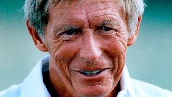 Jerry Burns, longtime Vikings coach, dead at 94