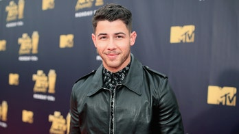 'The Voice' coach Nick Jonas reveals he cracked his ribs in a recent bike accident: 'It kind of hurts'