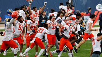 Sam Houston State wins FCS title with game-winning TD pass with 16 seconds left