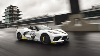 Indy 500 Chevrolet Corvette Stingray Convertible pace car revealed