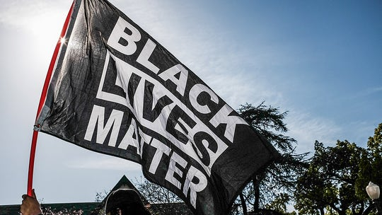 Black Lives Matter leader calls Bill de Blasio's vaccine mandate 'modern day freedom papers'