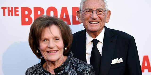 Eli Broad, founder of The Broad museum, arrives with his wife Edythe at the museum's opening in Los Angeles, September 17, 2015. (Associated Press)