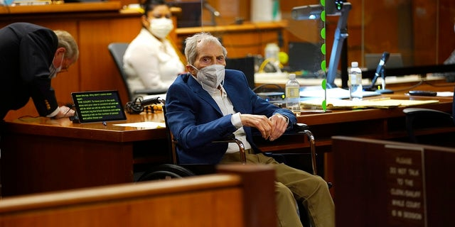 Robert Durst, center, appears in a courtroom with his attorney Dick DeGuerin, left, as Judge Mark E. Windham gives last instructions to jurors before attorneys begin opening statements in his murder trial.