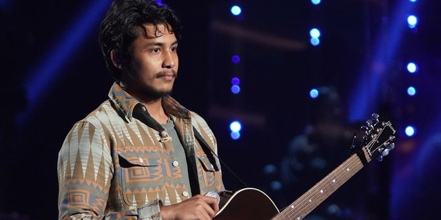 Arthur Gunn opened up on his decision to leave 'American Idol' at the 'last minute' ahead of the season 19 结局. (Eric McCandless / ABC通过Getty Images)