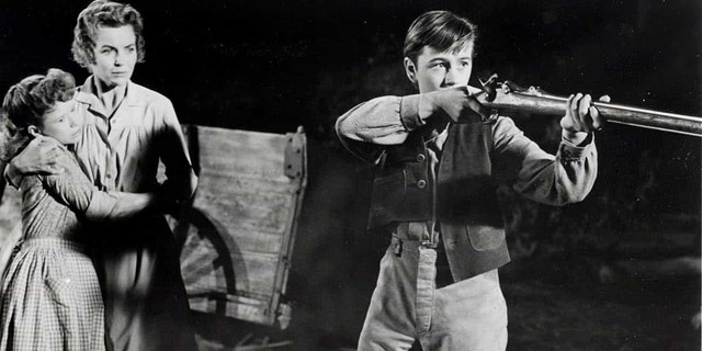 Beverly Washburn said she's still friends with 'Old Yeller' co-star Tommy Kirk.