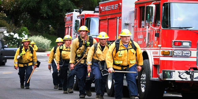 Los Angeles wildfire: Arson investigators detain 2 for questioning