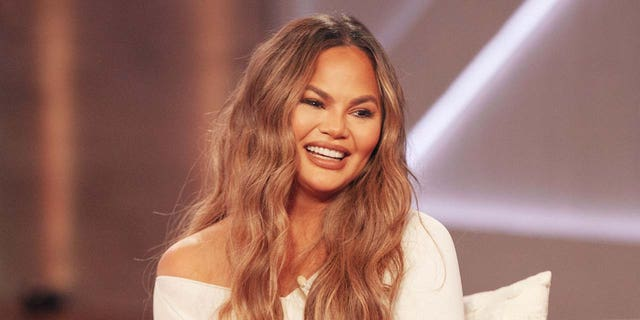 Chrissy Teigen has been notably silent on social media since her cyberbullying scandal broke. (fotografato da: Weiss Eubanks/NBCUniversal/NBCU Photo Bank via Getty Images)