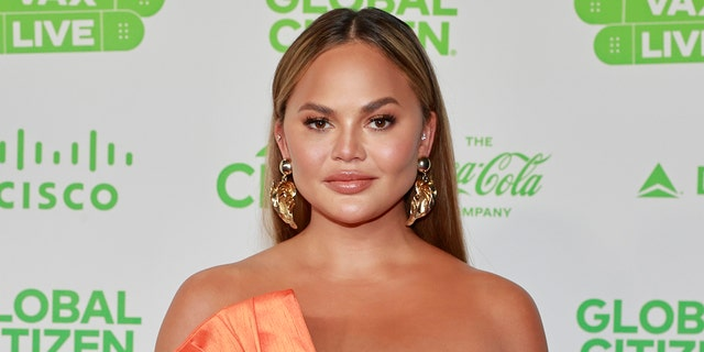 Farrah Abraham is still tapping her watch awaiting a personal apology from Chrissy Teigen, pictured here. (Photo by Emma McIntyre/Getty Images for Global Citizen VAX LIVE)