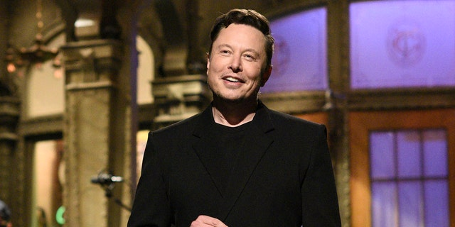 Will 'SNL' continue to book guest hosts like Elon Musk? Production expert weighs in.jpg