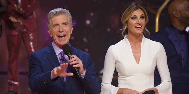 """Tom Bergeron and Erin Andrews hosting """"Dancing With the Stars."""""""