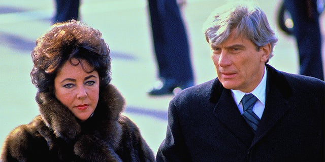 Elizabeth Taylor and John Warner divorced in 1982 and remained friends thereafter.