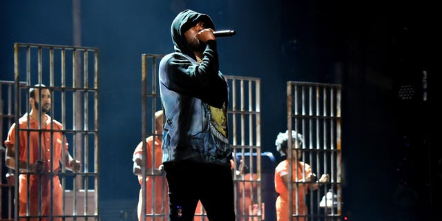 """Rapper Meek Mill performs """"Stay Woke"""" onstage at the 2018 BET Awards at Microsoft Theater on June 24, 2018 in Los Angeles, カリフォルニア.  (Photo by Kevin Mazur/Getty Images for BET)"""