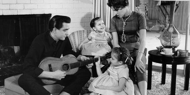 Johnny Cash with his first wife Vivian Liberto and daughters, Rosanne Cash and Kathy Cash 1957. (Photo by Michael Ochs Archives/Getty Images)