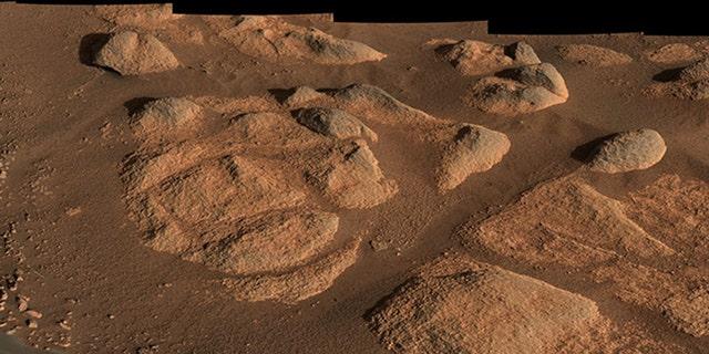 در 27 آوریل 2021 ، مریخ نورد مریخ ناسا Perseverance این سنگها را با اسکنر Mastcam-Z خود بررسی کرد.