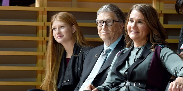 Phoebe Adele Gates, Bill Gates, and Melinda Gates attend the Goalkeepers 2017, at Jazz at Lincoln Center on September 20, 2017, in New York City. (Photo by Jamie McCarthy/Getty Images for Bill & Melinda Gates Foundation)