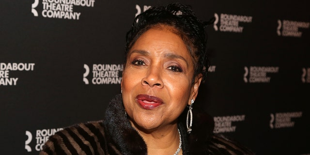 Phylicia Rashad accused of enabling Bill Cosby by Twitter troll, fans rush to her defense.jpg