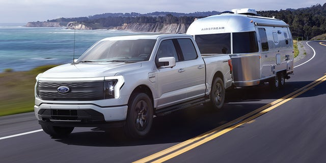 The 2022 Ford F-150 Lightning is rated to tow a maximum of 10,000 pounds.