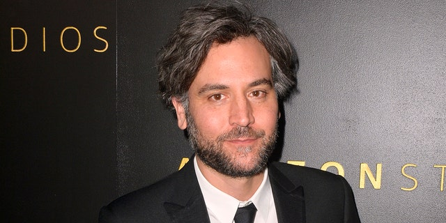 """Josh Radnor is ready to try new material after starring on """"내가 너의 어머니를 만난 방법"""" for nine seasons."""