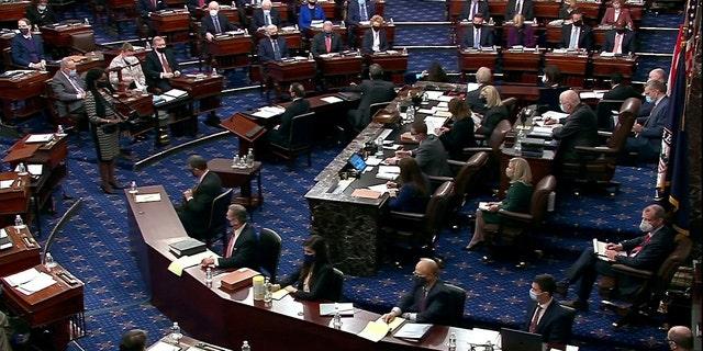 上院は、コロナウイルスの起源を分類解除するようにバイデンに求める法案を通過します