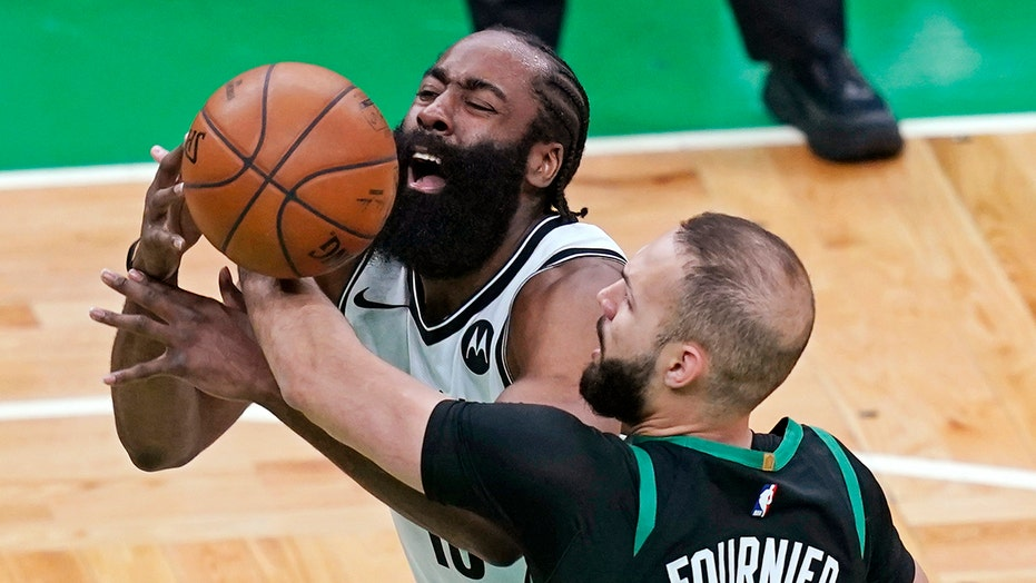 Nets' James Harden: 游戏 3 to Celtics loss 'probably what's good for us'
