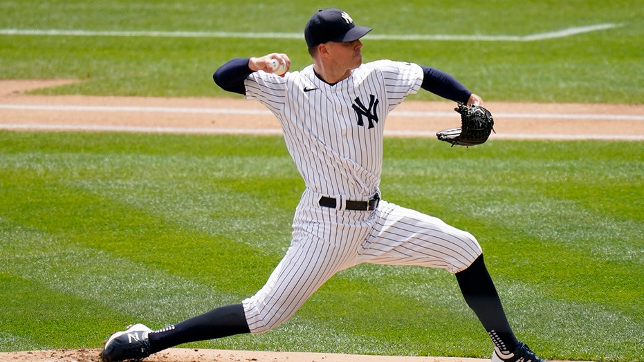 Kluber gets 100th win, Yankees sweep Tigers to reach .500