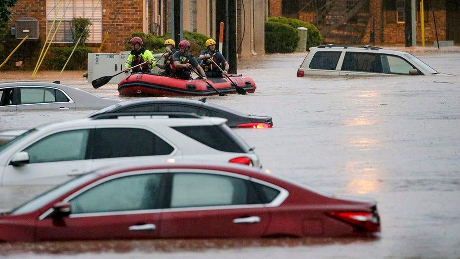 Heavy rain brings flash flood emergency to Alabama, Southeastern states