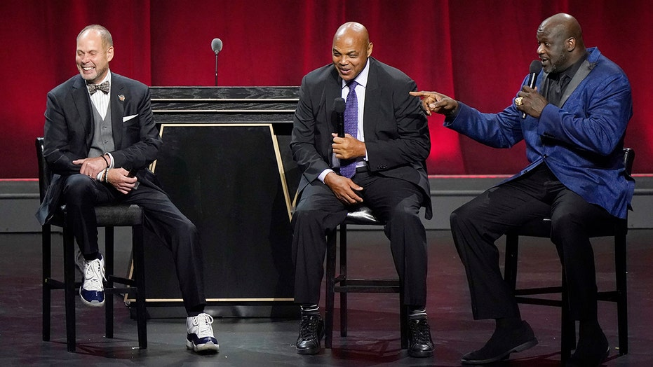 Charles Barkley gives money to employees at his high school