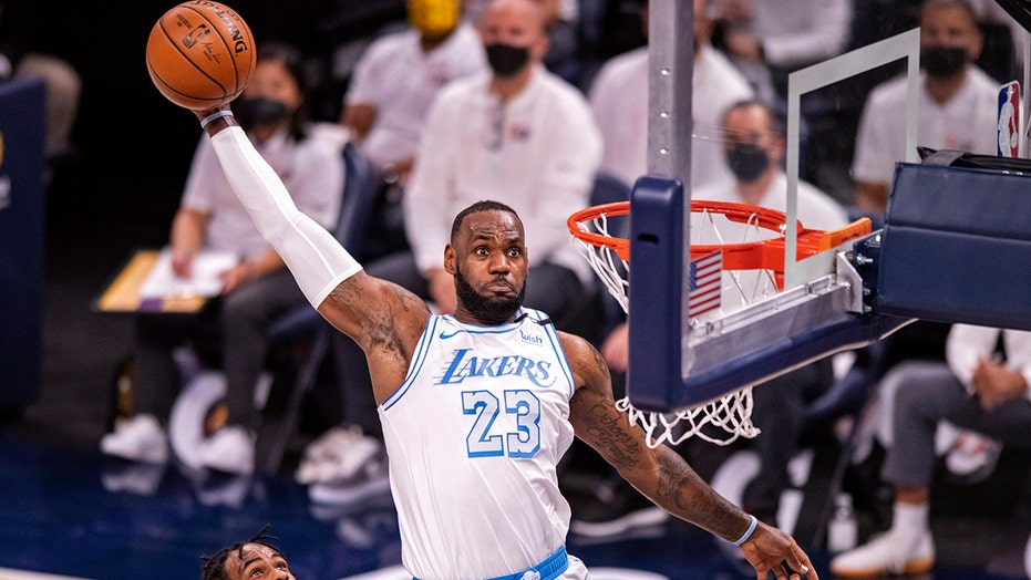 Play-in or playoffs? Lakers won't know until the final day